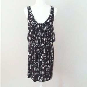 Loft Black/White Geometric Print Dress Size 6